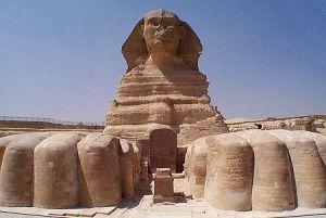 Le Sphinx Majestueux garde encore les Mystères de l'Egypte Antique